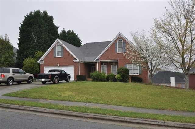 940 Lewis Ridge Cir, Lawrenceville, GA 30045