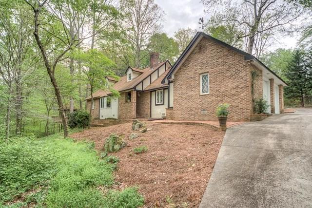 947 Hood Rd, Fayetteville, GA