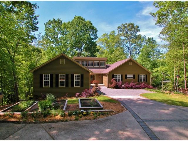8935 Bay View Ct, Gainesville, GA 30506