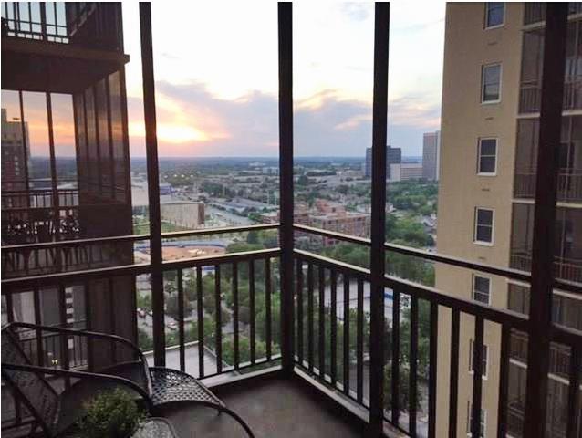 300 Peachtree St #APT 16M, Atlanta, GA