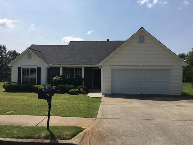 12032 Red Ivy Ln, Fayetteville, GA