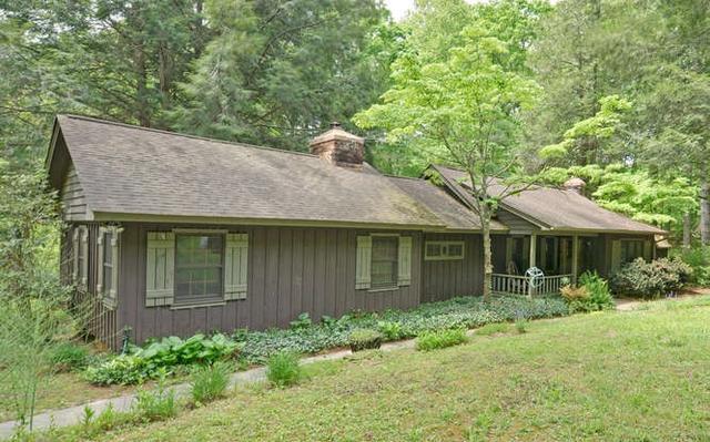 174 Oak Ridge Dr, Blue Ridge, GA
