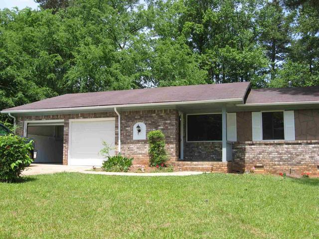 1208 Country Pne, Ellenwood, GA 30294