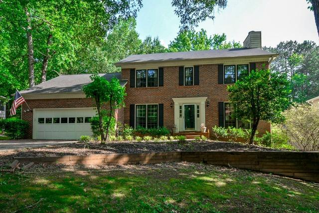 8570 Birch Hollow Dr, Roswell, GA