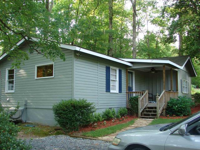394 SW Mccullar Weaver Milledgeville, GA 31061
