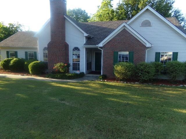 140 Orchard Vw, Fayetteville GA 30215