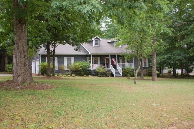 105 White Acres Dr, Stockbridge, GA