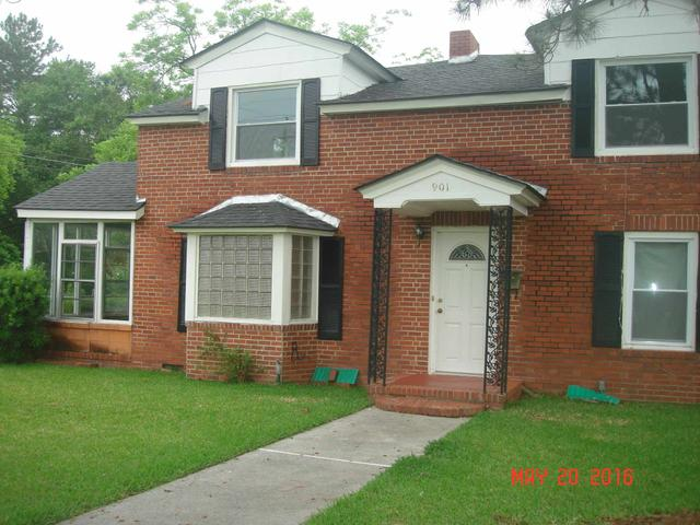 901 NW 7th St, Moultrie, GA 31768