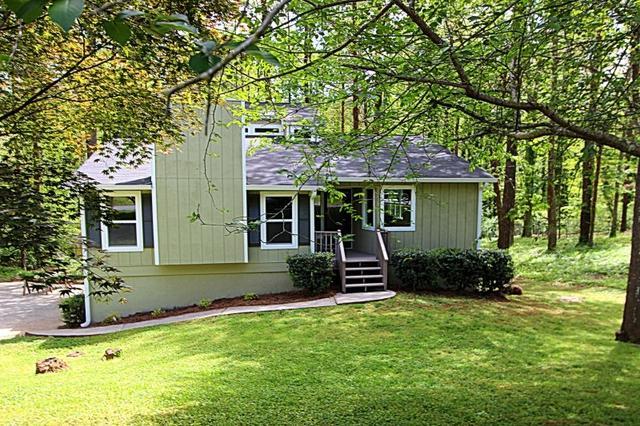 158 Bramble Oak Dr, Woodstock, GA