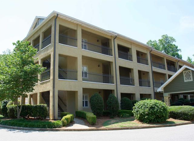 125 Woodlake Dr, Athens, GA