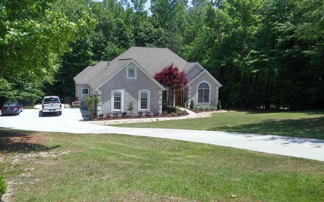 45 Pineview Dr, Sharpsburg, GA