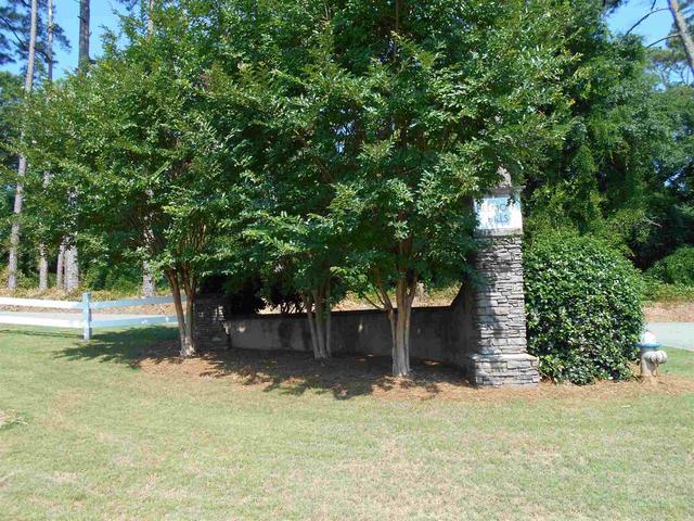 388 Belmont Park Dr, Commerce, GA 30529