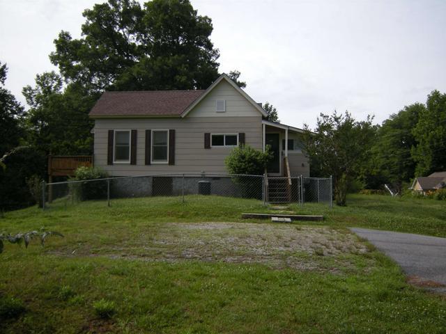 306 Rogers St, Clayton, GA 30525