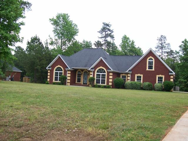 384 NW Lakemere Ln Milledgeville, GA 31061