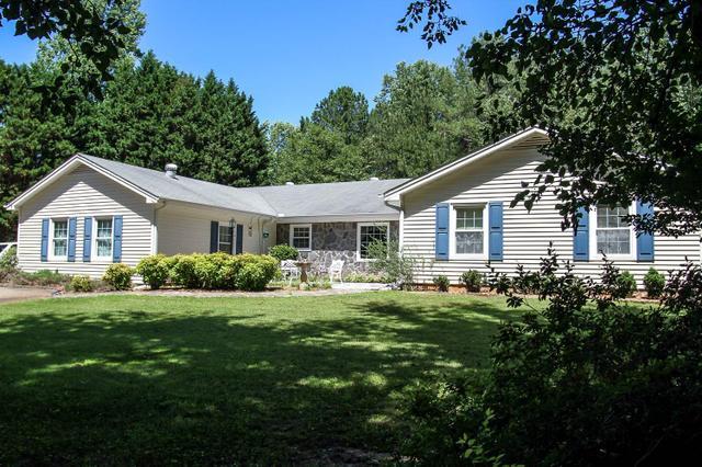 342 Deer Creek Trl Hoschton, GA 30548