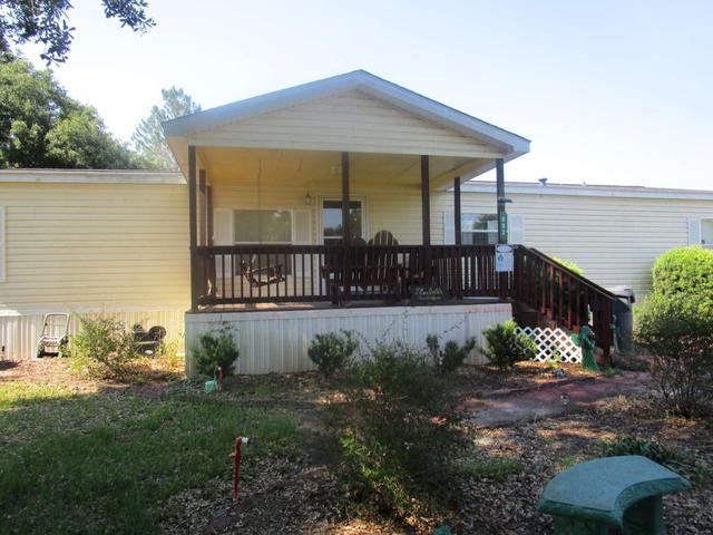 892 Reynolds Rd, Folkston, GA 31537