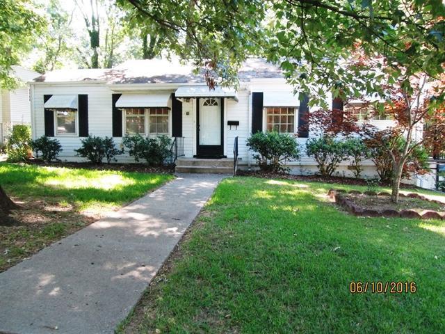 72 Glendale Dr, Hartwell, GA 30643