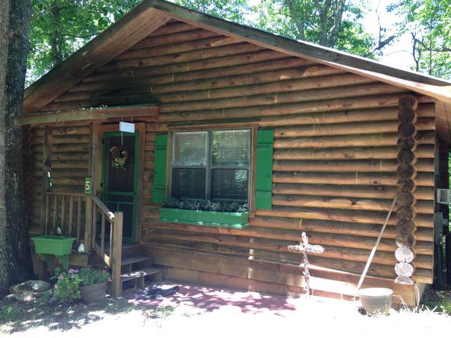 5 Cabin Dr, Menlo, GA 30731
