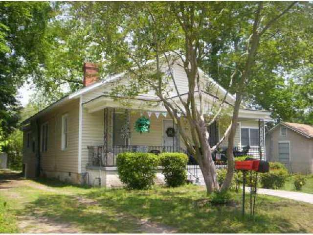 1626 Chester St, Savannah, GA 31415