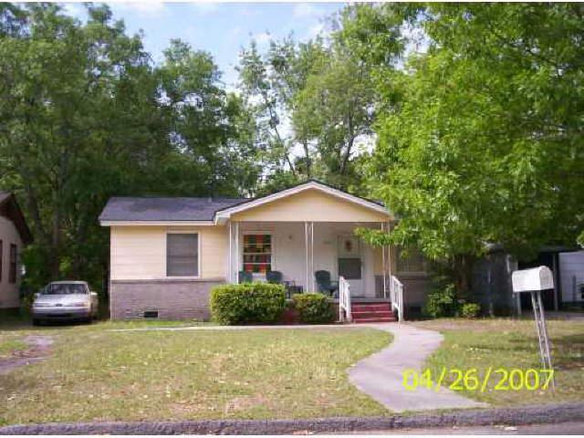 2221 Hanson St, Savannah, GA 31404