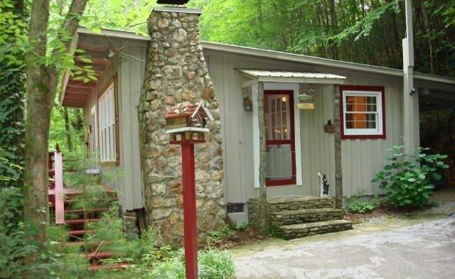 6180 Crow Creek Rd, Lakemont, GA 30552