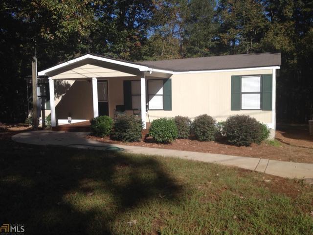 923 Laurel Ln, Winder, GA 30680