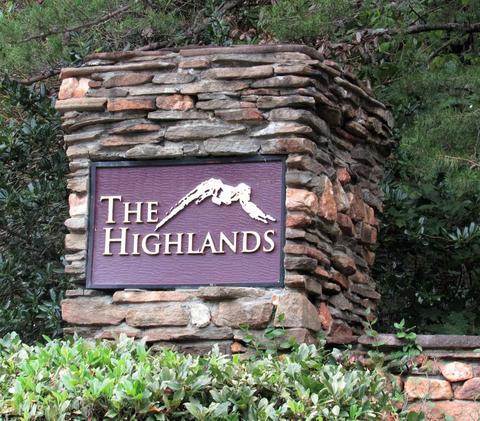 30 Highland Lake Trl, Clarkesville, GA 30523