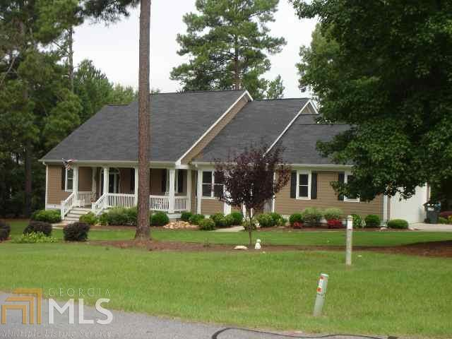 1911 Snug Harbor Dr, Greensboro, GA 30642
