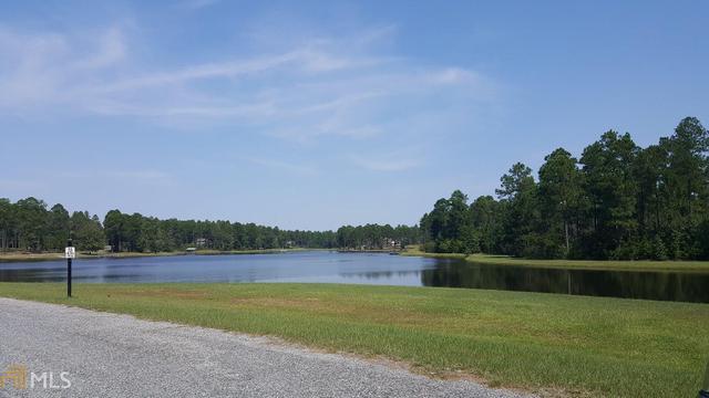 571 Highland Lakes Dr, Eastman, GA 31023