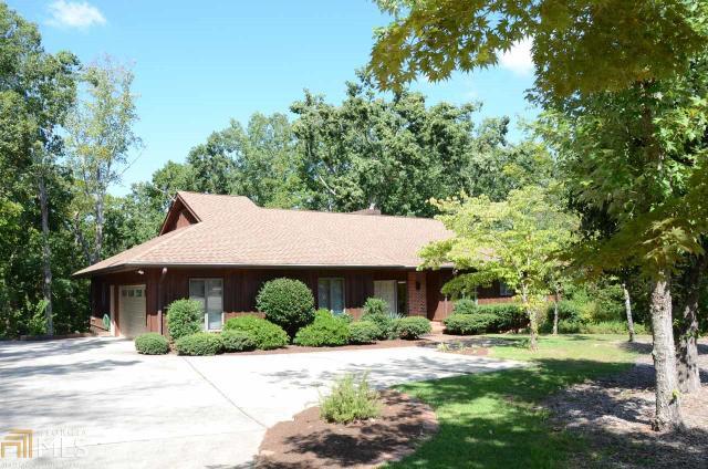 131 Woodlake Dr, Gainesville, GA 30506