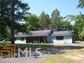 305 Longwood Dr, Statesboro, GA 30458