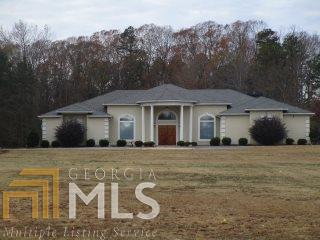 305 Harold Phillips Rd, Jefferson, GA 30549