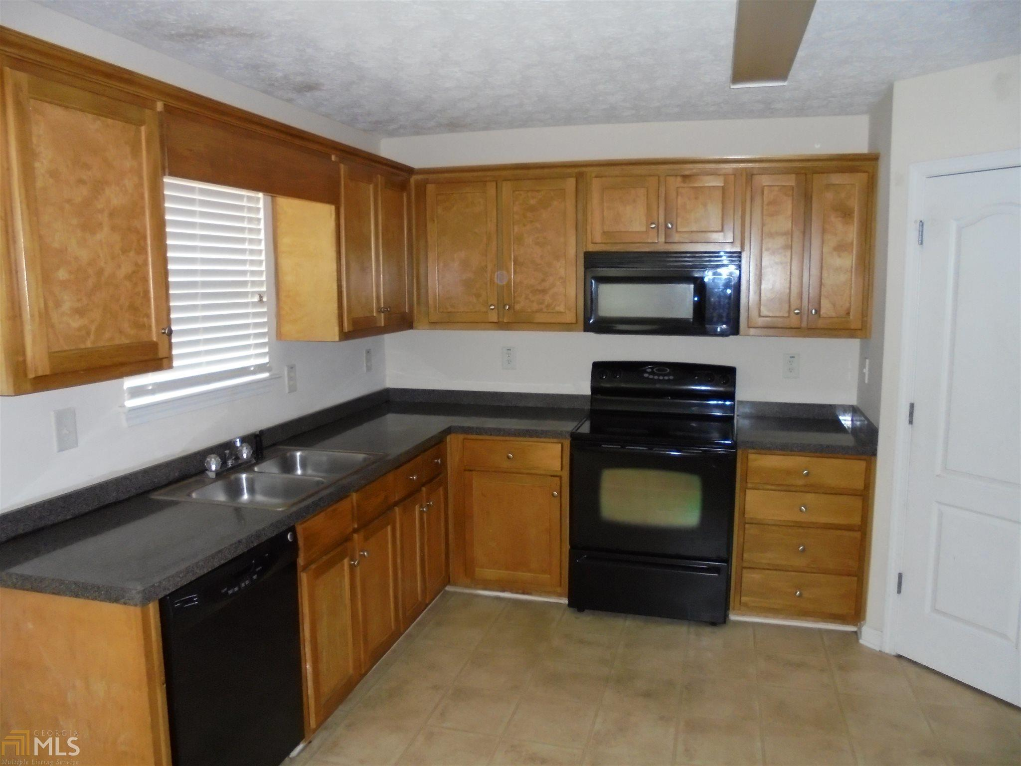 521 Howell Drive, Locust Grove, GA 30248