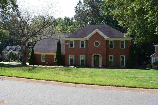 1851 Blackthorn Way, Roswell, GA 30075