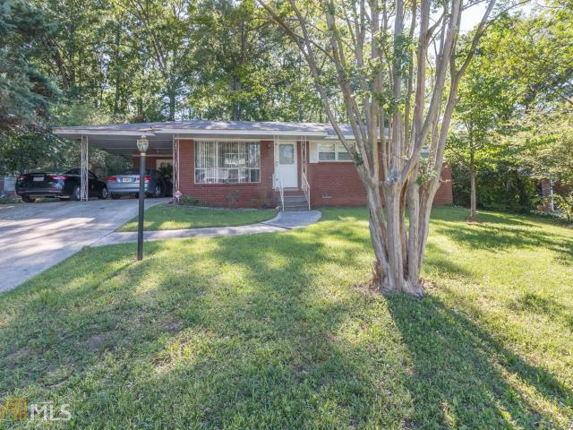 1240 Stoneham Ct, Atlanta, GA 30349