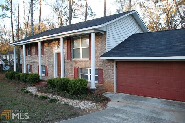 504 Kinney St, Sandersville, GA 31082