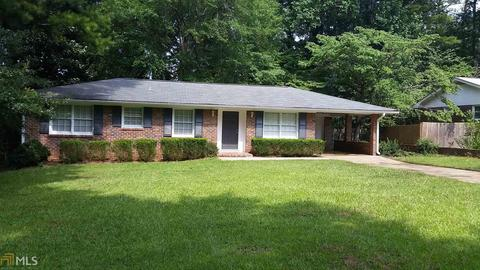 215 Sharon Dr, Fayetteville, GA 30214