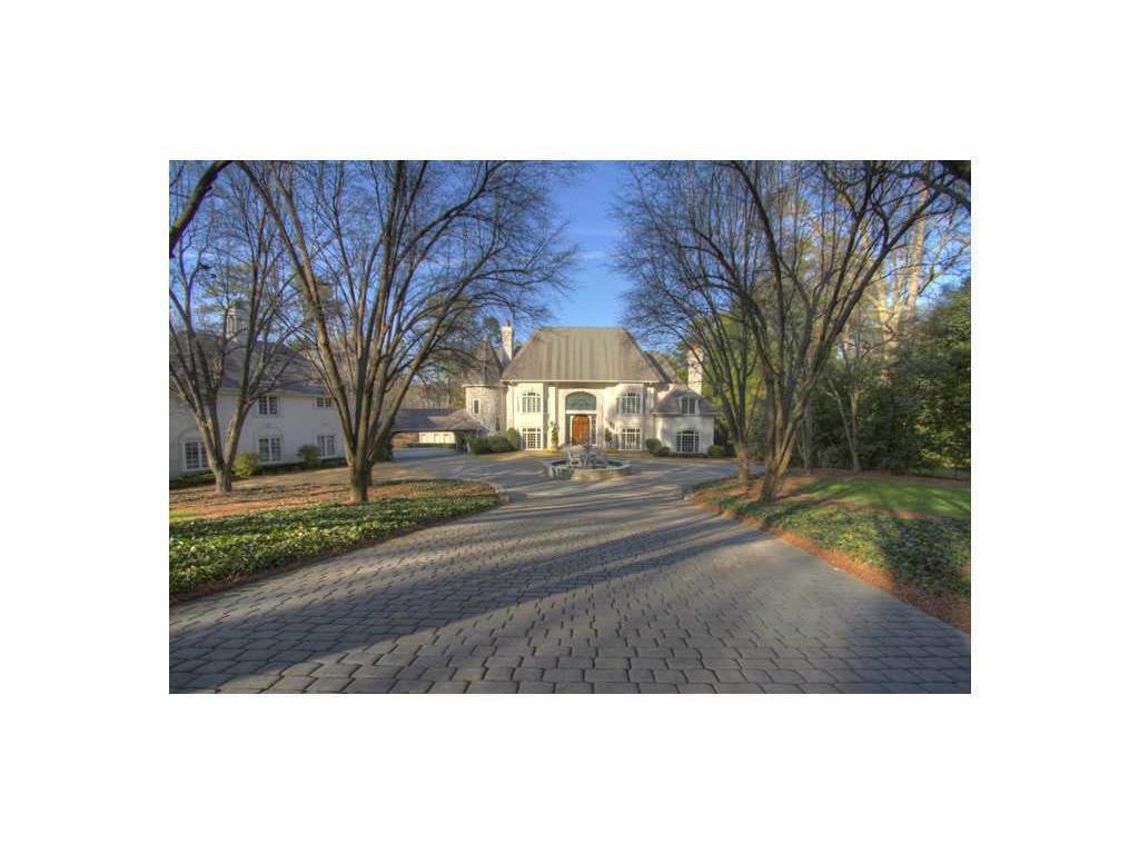 979 Buckingham Circle, Atlanta, GA 30327