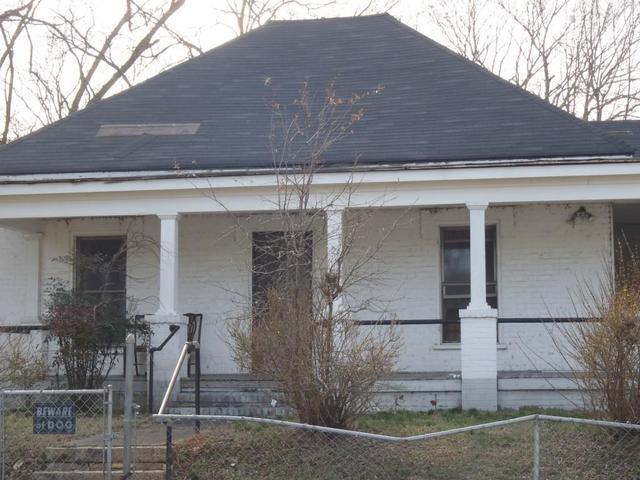 960 Pelham St NW, Atlanta, GA 30318
