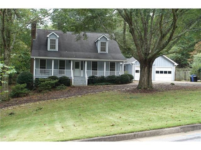 1447 W Lake Dr, Gainesville, GA 30501