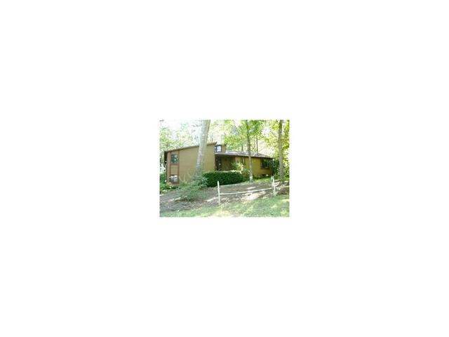 8996 Laurel Dr, Douglasville, GA 30135
