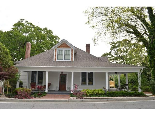 1064 Green Street Cir, Gainesville, GA 30501