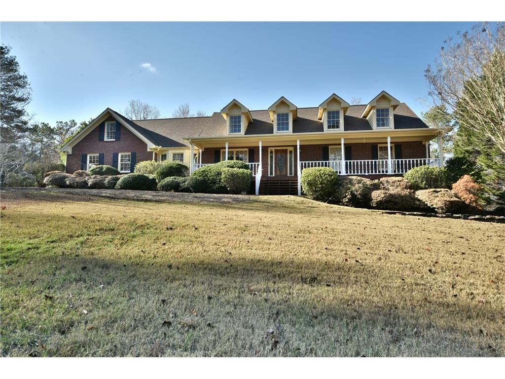 3160 Maple Cove Drive, Loganville, GA 30052