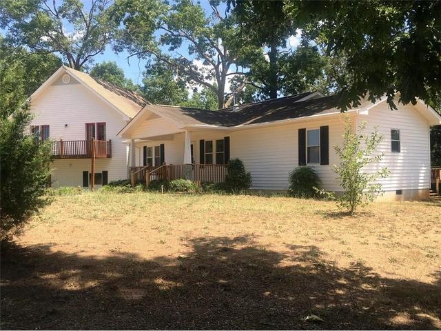 941 Clay Brown Rd, Hartwell, GA 30643
