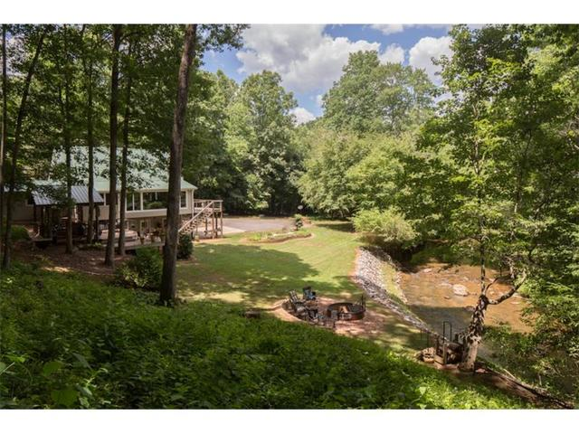 594 Sweet Apple Ln, Dahlonega, GA 30533