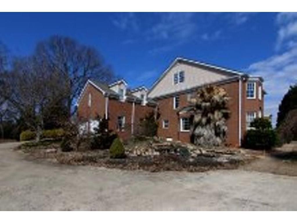 10 Melody Lake Court, Covington, GA 30014