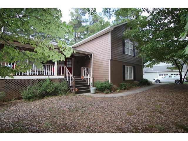 2621 Laurel Woods Ln SE, Conyers, GA 30094