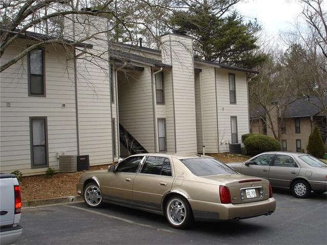 9400 Roberts Dr, Sandy Springs, GA 30350