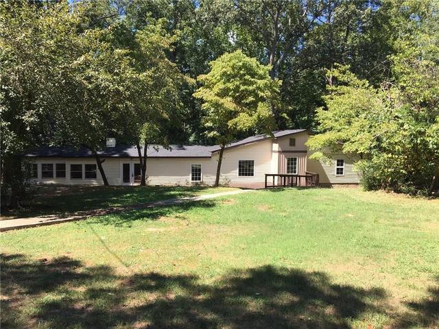 260 Old 82 Rd S, Jefferson, GA 30549