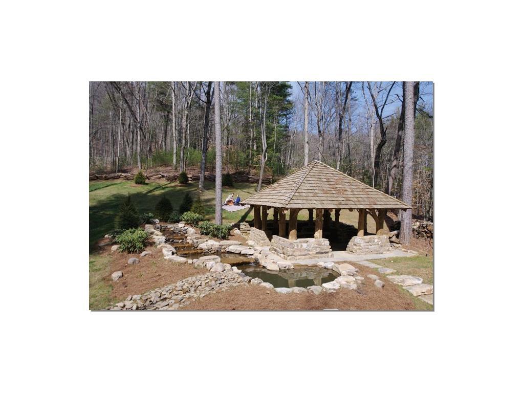 23 Utana Bluffs Trail, Ellijay, GA 30540